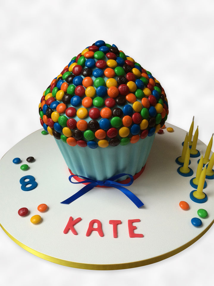 Children's cake with M&M's